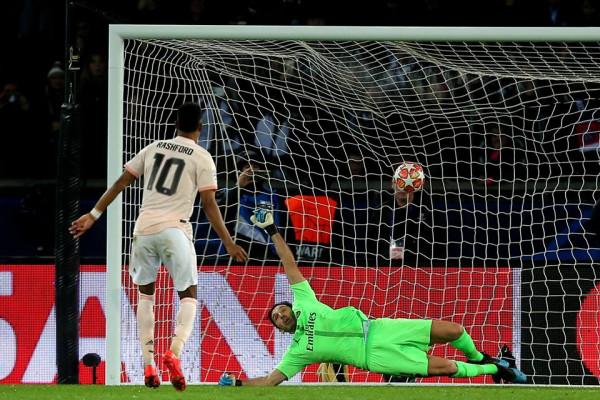 Në minutat shtesë, United shtang Parisin