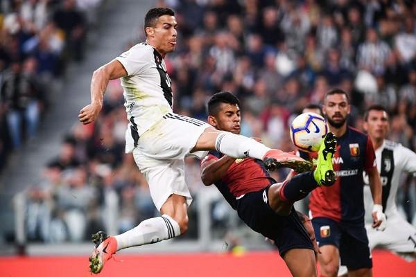S'mjaftoi Cristiano, Genoa prish serinë e Juves
