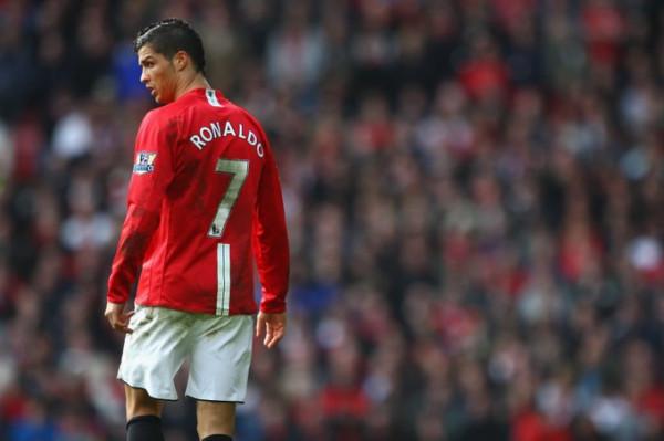 ZYRTARE: Cristiano Ronaldo rikthehet te Manchester United!