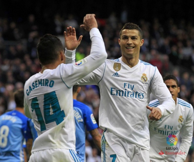 Ronaldo thyen mallkimin, Reali fiton