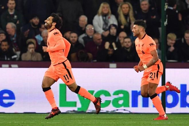 Liverpooli shkëlqen në Londër, Bilic vazhdon 'lëkundjen'