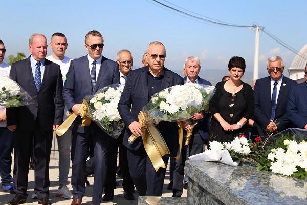 FFK bën homazhe te varri i Fadil Vokrrit