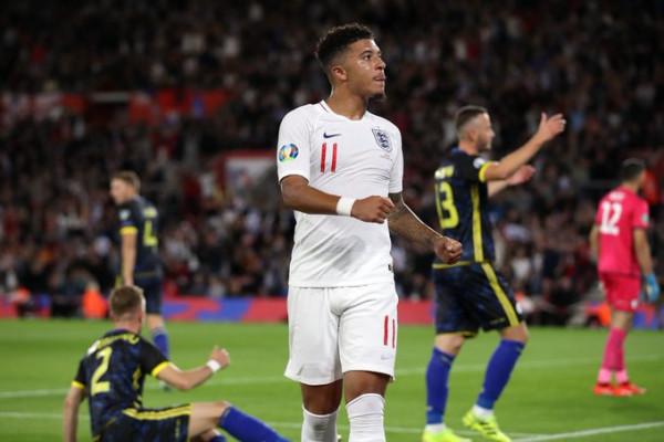 """Sky Sports """"zbulon"""" dy prej startuesve të Anglisë"""