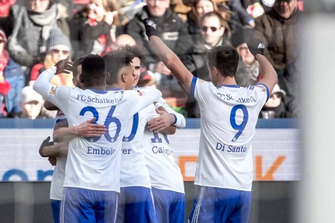 Schalke s'fal Leverkusenin