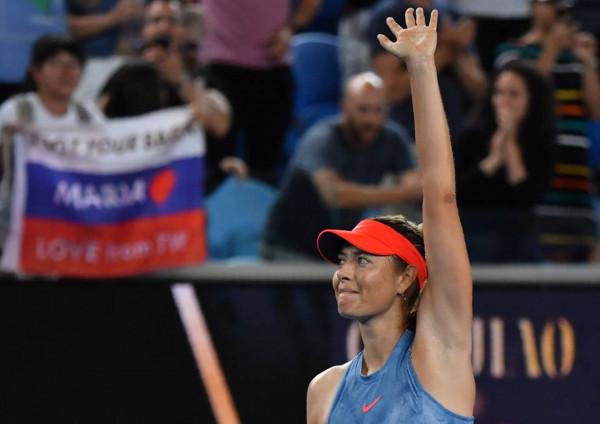 Sharapova përballë kampiones