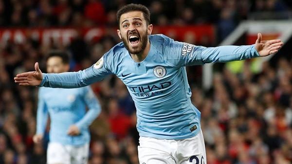 City lider me fitore në Old Trafford