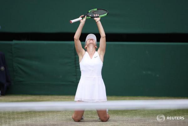 Super Halep, shkollon Williamsin dhe fiton Wimbledonin