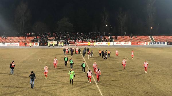 Karton i kuq e dy penallti, fitores i gëzohet Skënderbeu