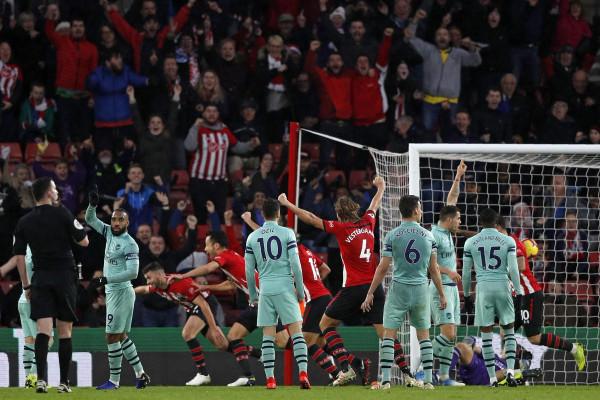 22 ndeshje pa humbje, seria ndalet nga Southamptoni