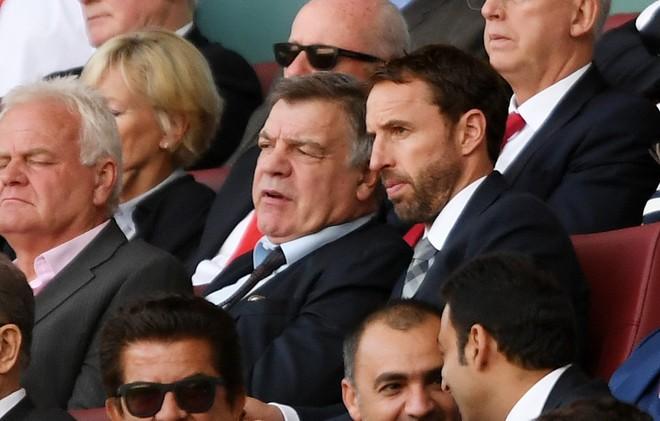 Rooney dhe Walcott, startojnë