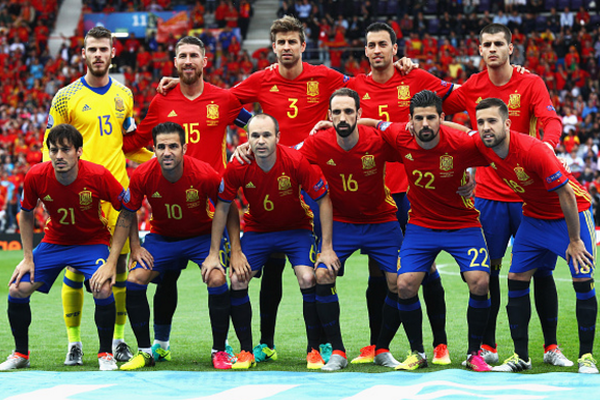 Spanja - me 'luhatje' që nga fillimi