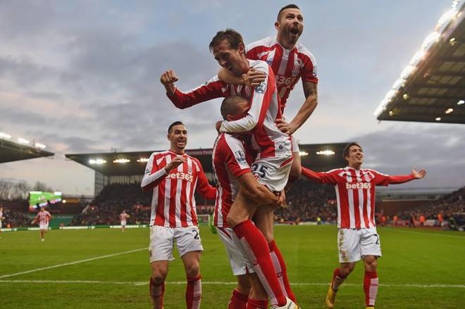 Crouch vazhdon me Stoke Cityn