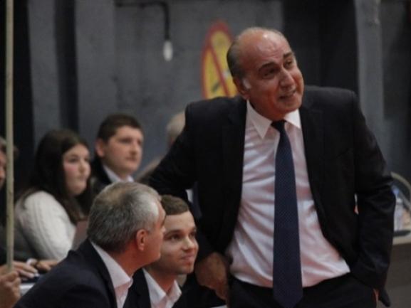 Një tjetër trajner grek te Bashkimi