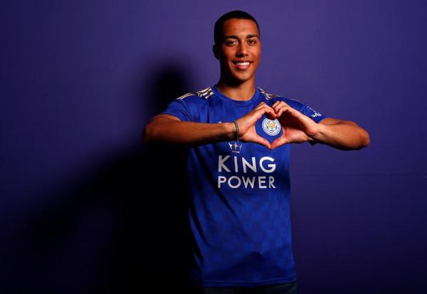 Leicesteri bën rekord-transferin e klubit