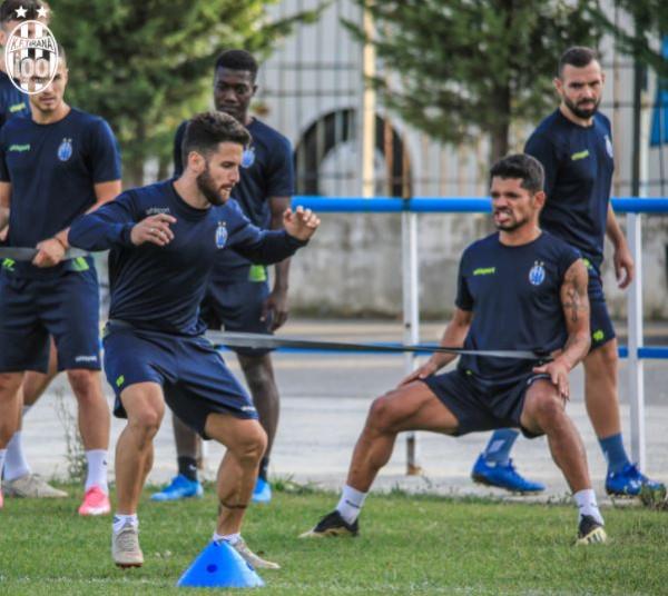 Tirana del pastër para duelit historik