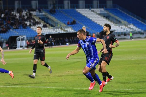 Asistimet e Kastratit dhe golat e Uzunit, çojnë ekipin mbi Hajdukun