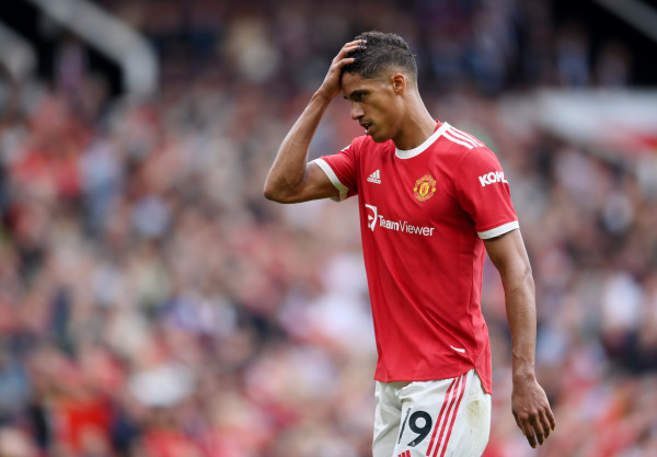 Probleme për United, Varane mungon disa javë