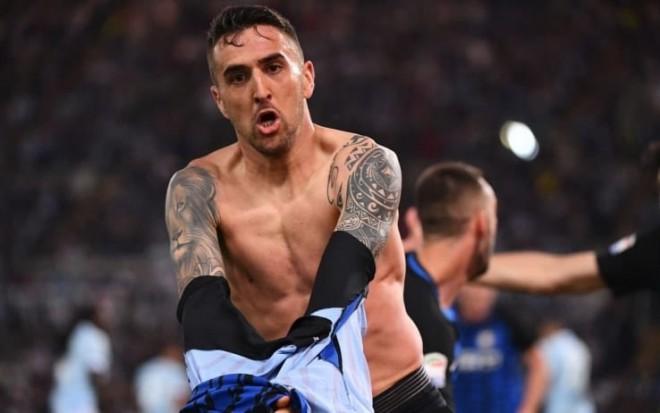 Përmbysje fantastike, Interi rikthehet me fitore