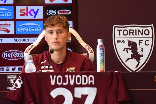 Mërgim Vojvoda fillon me asist te Torinoja