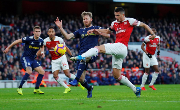 Xhaka e nis me gol, Arsenali gjen fitoren