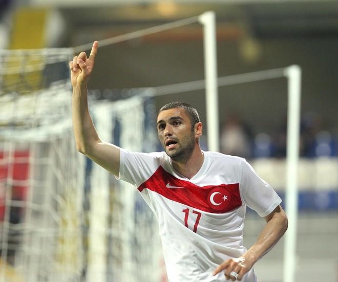 Turqia fiton minimalisht