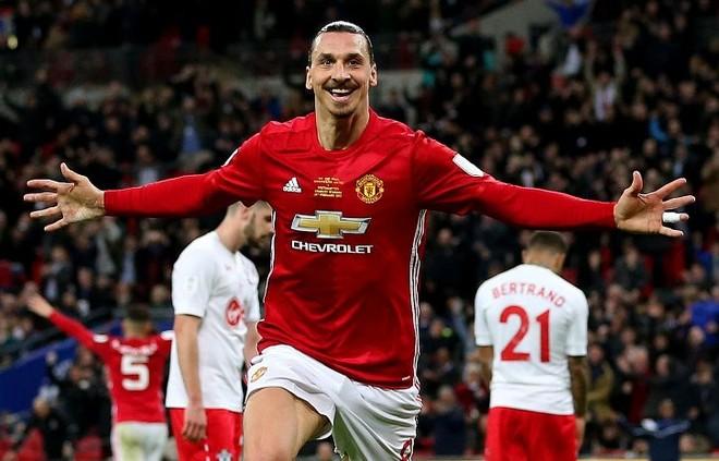 Heroi Zlatan, United fiton Kupën