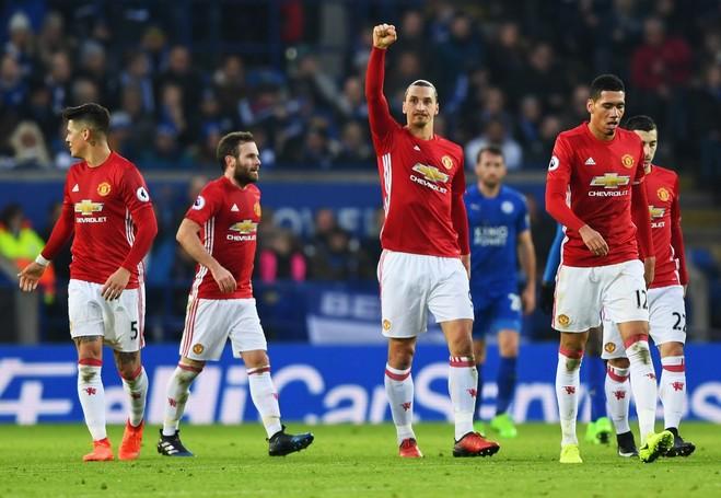 Zlatan 20, United gjen fitoren