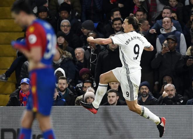 Ibra nuk ndalet, United fiton