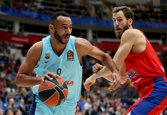 CSKA mposht Barcelonën, e qetë në krye