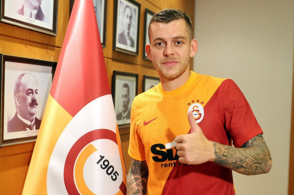 Galatasaray transferon mesfushorin rumun, Cicaldau