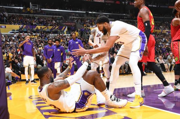 Lakers kalon edhe Atlantën
