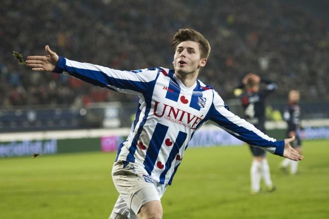 Arbër Zeneli me supergol ndaj PSV-së