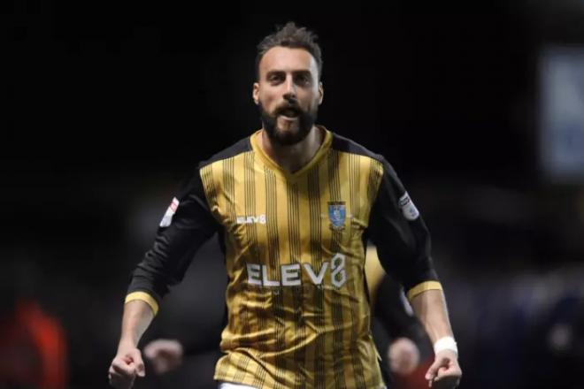 Nuhiu asist dhe gol ndaj Leedsit, Wednesday në pozitat play-off