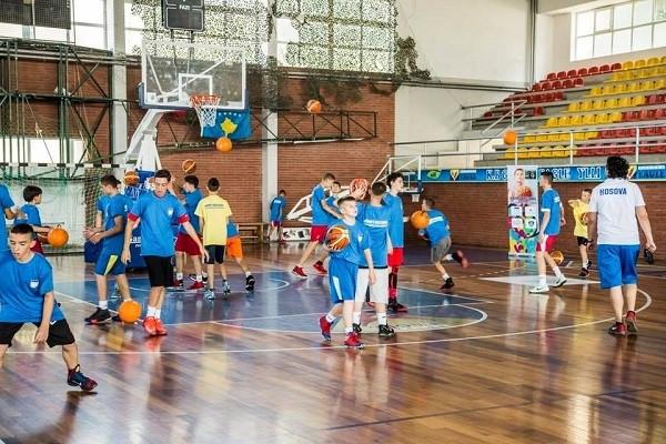 Mbi 100 basketbollistë/e në përzgjedhje