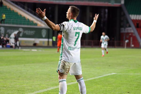 Berisha shkëlqen me dy golësh në fitore
