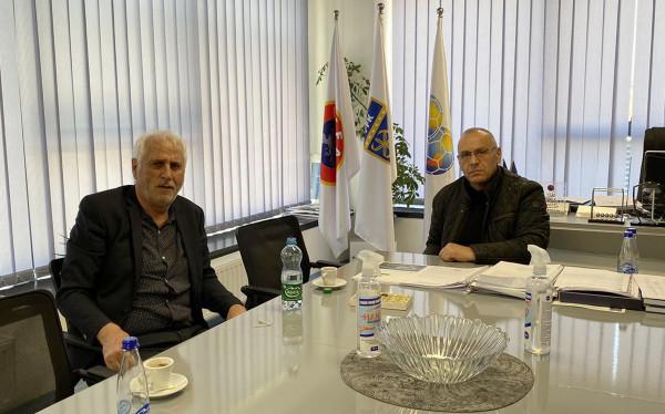 Presidenti i FFK-së Ademi merr në pyetje përzgjedhësin Challandes