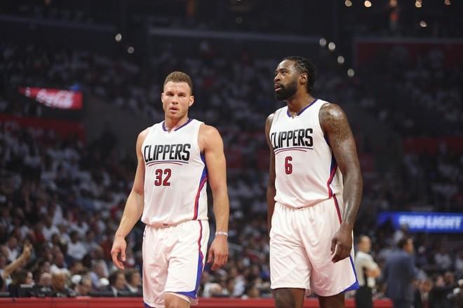 Mavericks forcohet me qendrën nga Clippersi