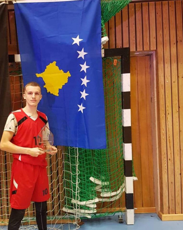 Bleonis Tanushi, fitues i Skills Challenge në Suedi