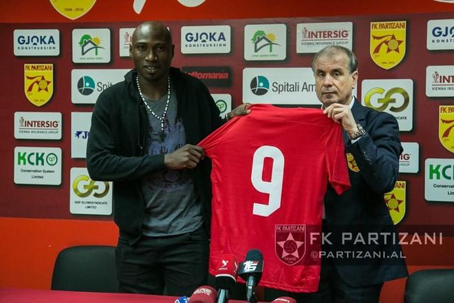 Boniface prezentohet te Partizani — FSHF Kategoria Superiore