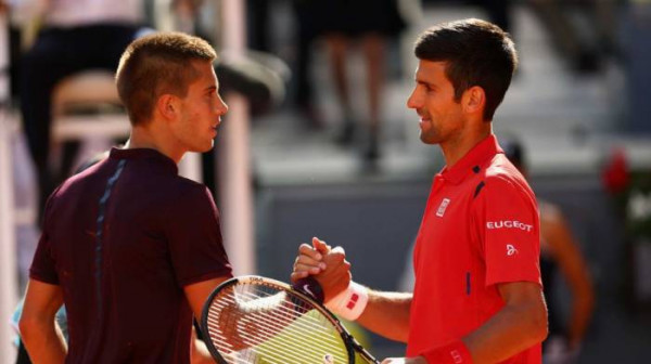 Kur luhet finalja Coric-Djokovic?