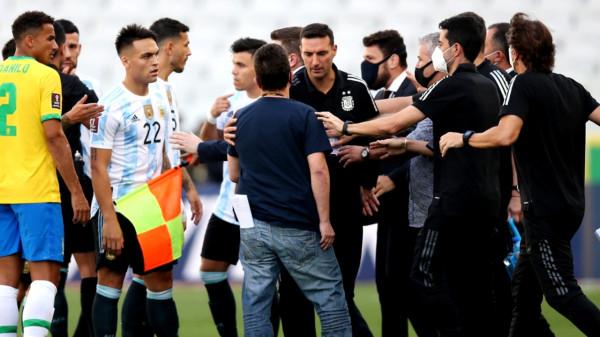 FIFA del me njoftim për ndërprerjen në ndeshjen Brazili-Argjentina