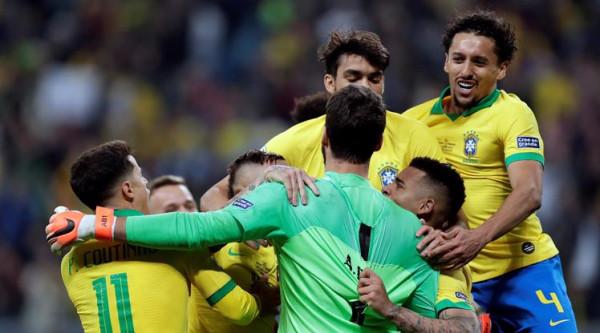 Brazili në gjysmëfinale