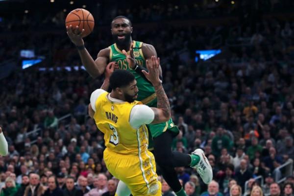 Boston deklason Lakersat