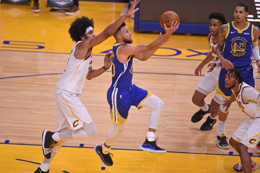Curry me 7 treshe, Warriors triumfon