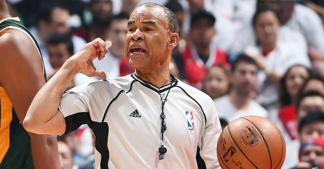 Pensionohet referi legjendar i NBA-së