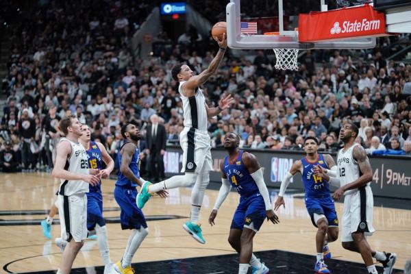 Spurs nuk gabojnë në shtëpi
