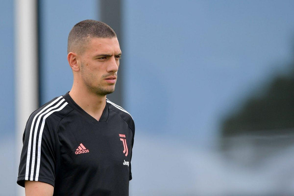 Juventusi cakton çmimin e Merih Demiral