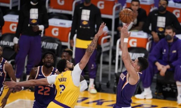 Suns barazon serinë, Lakers në telashe me Davis