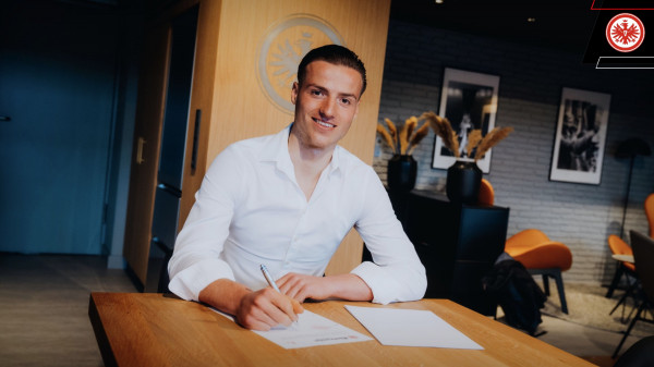 Zyrtare: Eintracht Frankfurt nënshkruan me talentin kosovar