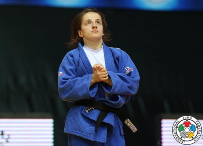 Edhe një medalje e artë nga vajzat e Kosovës!